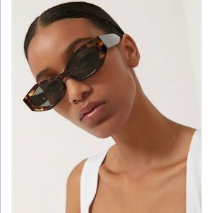 Urban Outfitters trendy sunglasses